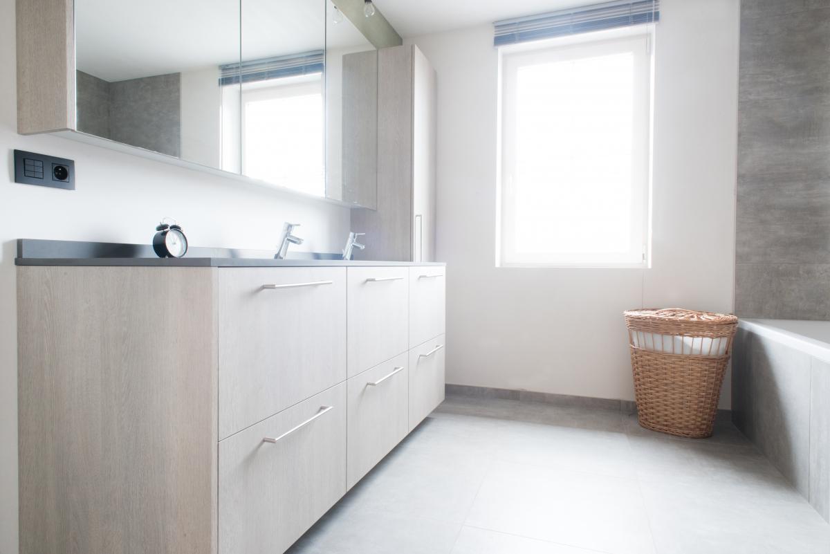 Badkamer Op Maat : Badkamer op maat eke internolux interieur op maat