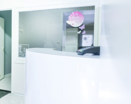 Kantoor- en winkelinrichting | Tante Ann's Beauty Farm